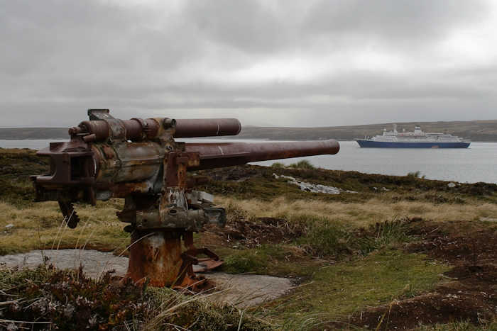 Aiming at the Marco Polo (2007).