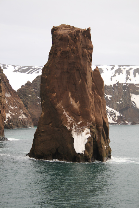 A rock formation at the entrance to Deception Island (2007).