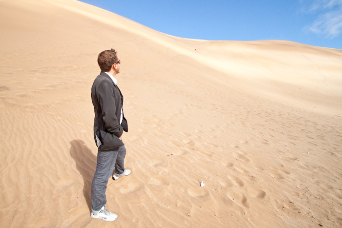 Dune 7 is about 300m high. My only plan was to climb the dune, juggle, jump a bit, and run back down.