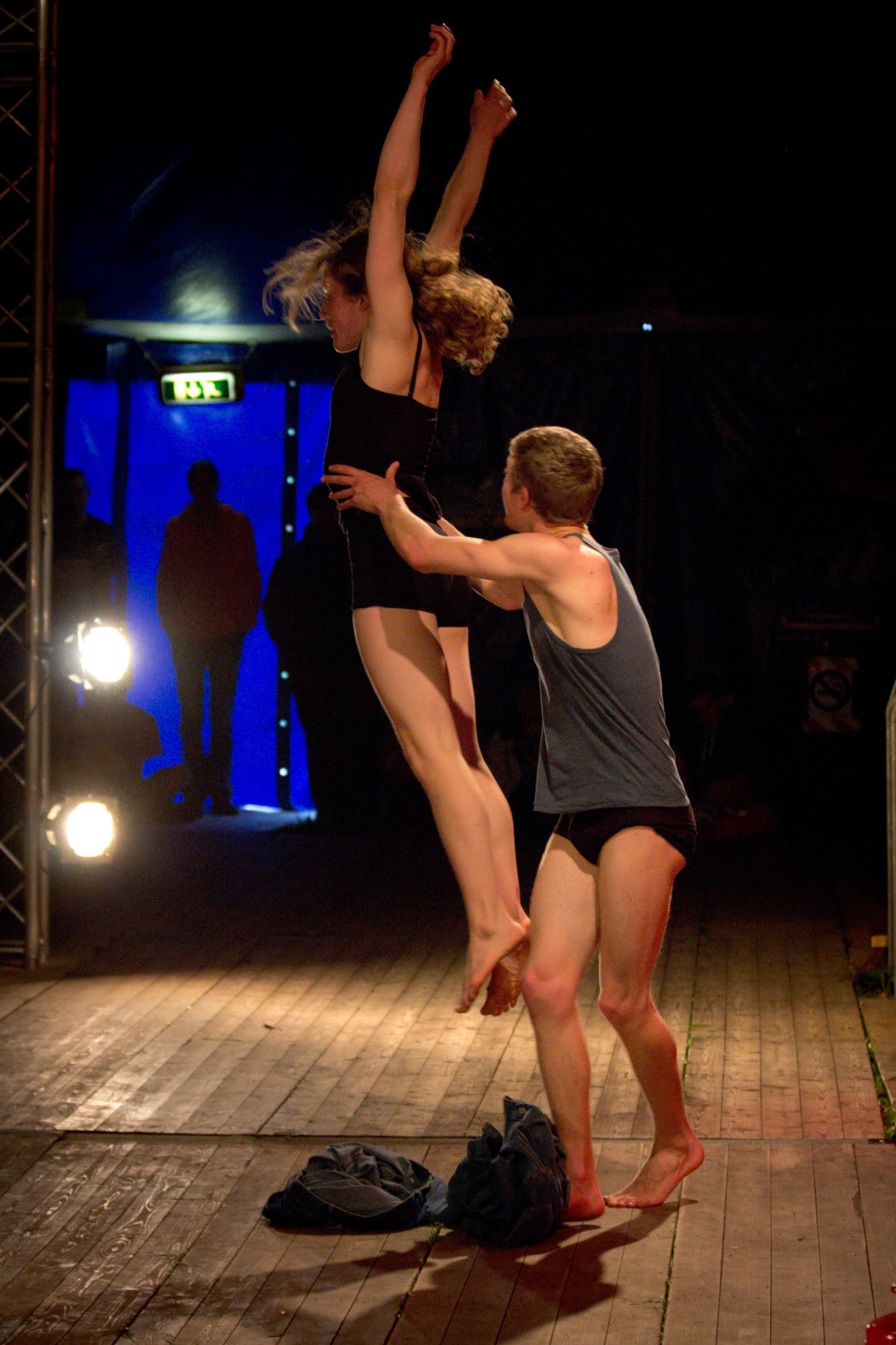 Nederlands Jongleer Festival 2013: Opening show with Circus Katoen.