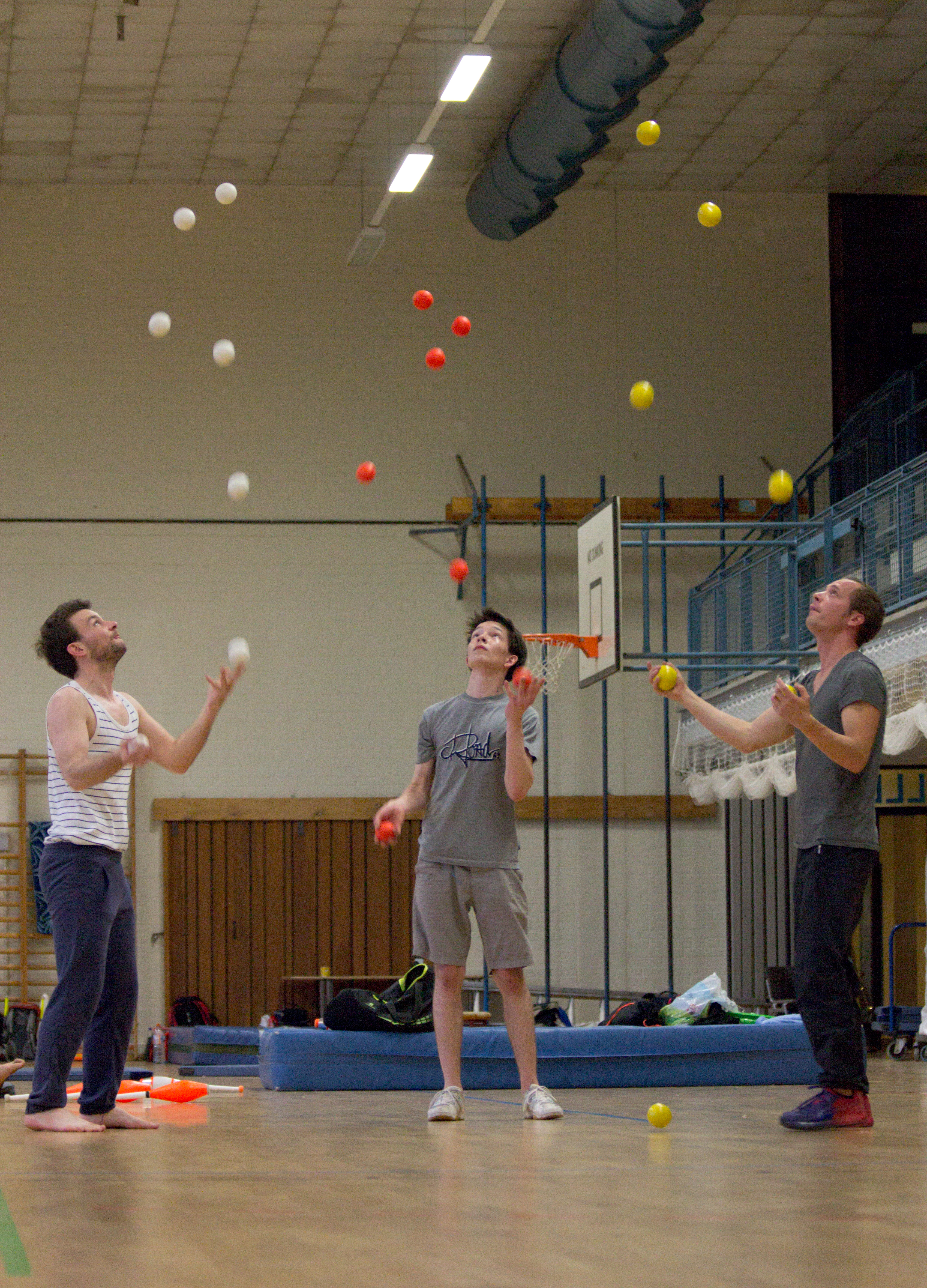 Berlin Juggling Convention 2013: In the gym.