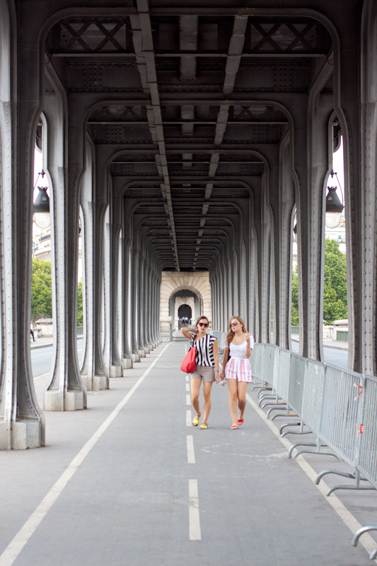 Luke and Juliane Summer Tour part 1: A day in Paris. Pont de Bir-Hakeim