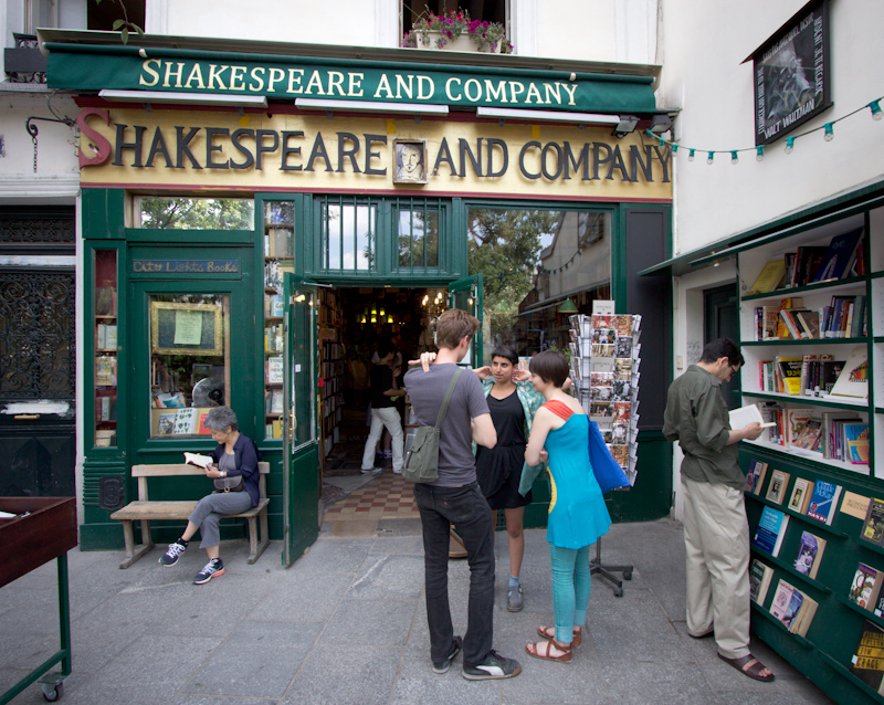 Luke and Juliane Summer Tour part 1: A day in Paris. Shakespeare and Company.