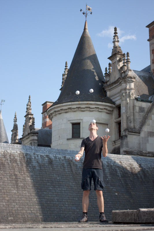 Luke and Juliane Summer Tour part 2 - Castles in the Loire Valley, Dune de Pyla and Condom: Amboise Chateau Royal. More juggling.