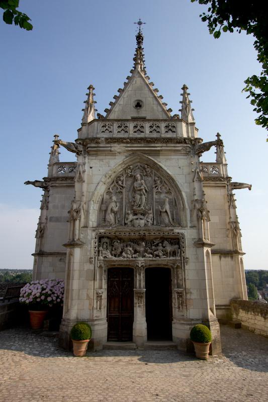 Luke and Juliane Summer Tour part 2 - Castles in the Loire Valley, Dune de Pyla and Condom: Amboise Chateau Royal. RIP Leonardo da Vinci.