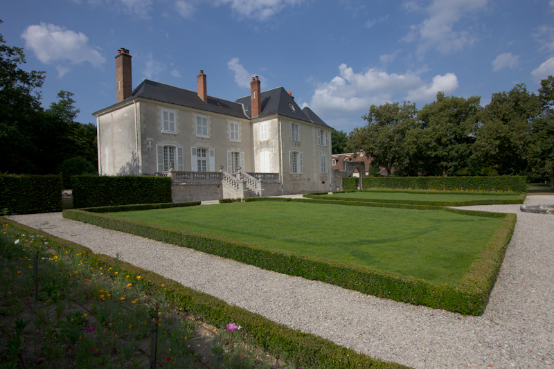 Luke and Juliane Summer Tour part 2 - Castles in the Loire Valley, Dune de Pyla and Condom: Manoir de Clenord, our home for one night.