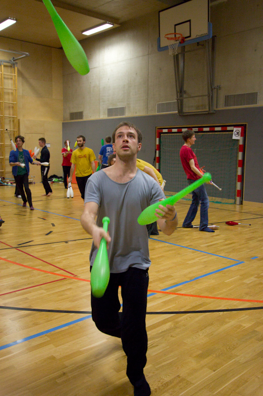 Juggling On Ice 2015: Fight Night Qualifications