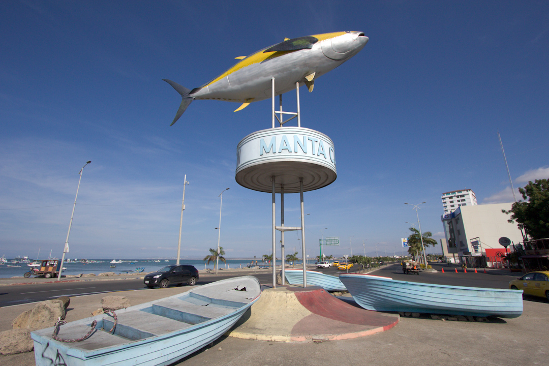 99 Random Photos I Forgot to Share Since October 2014: Manta, Equador