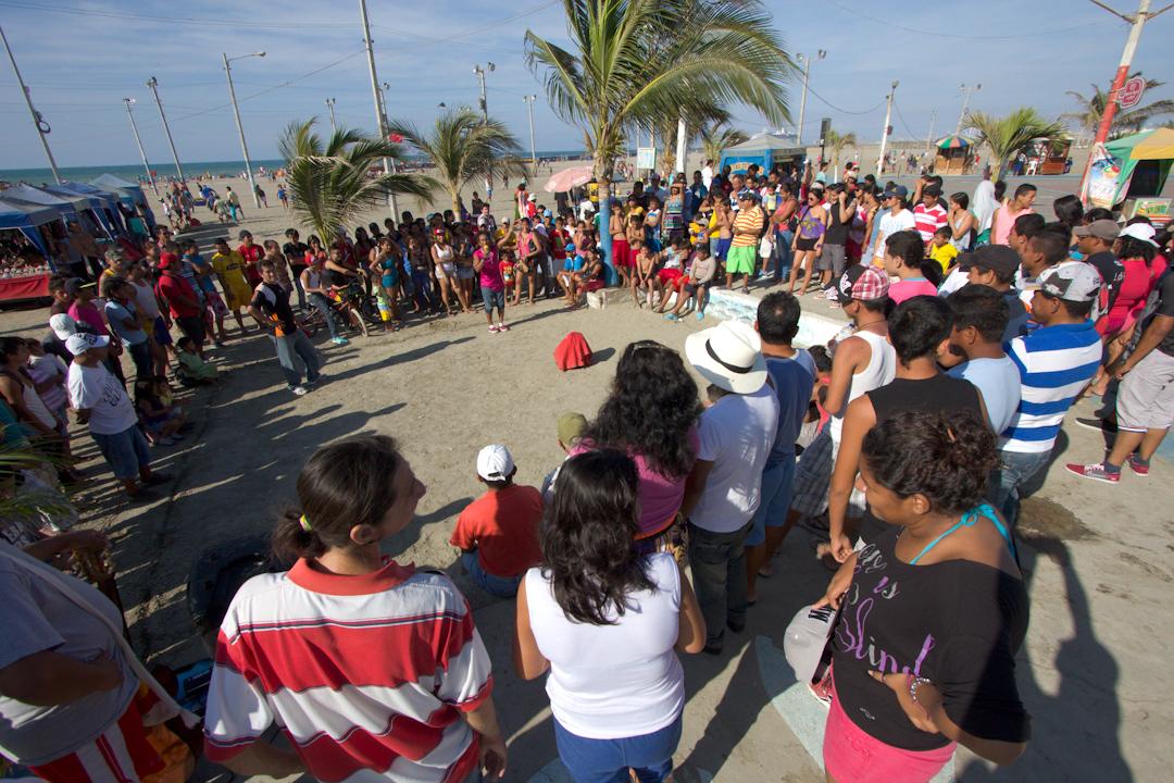 99 Random Photos I Forgot to Share Since October 2014: Manta, Equador