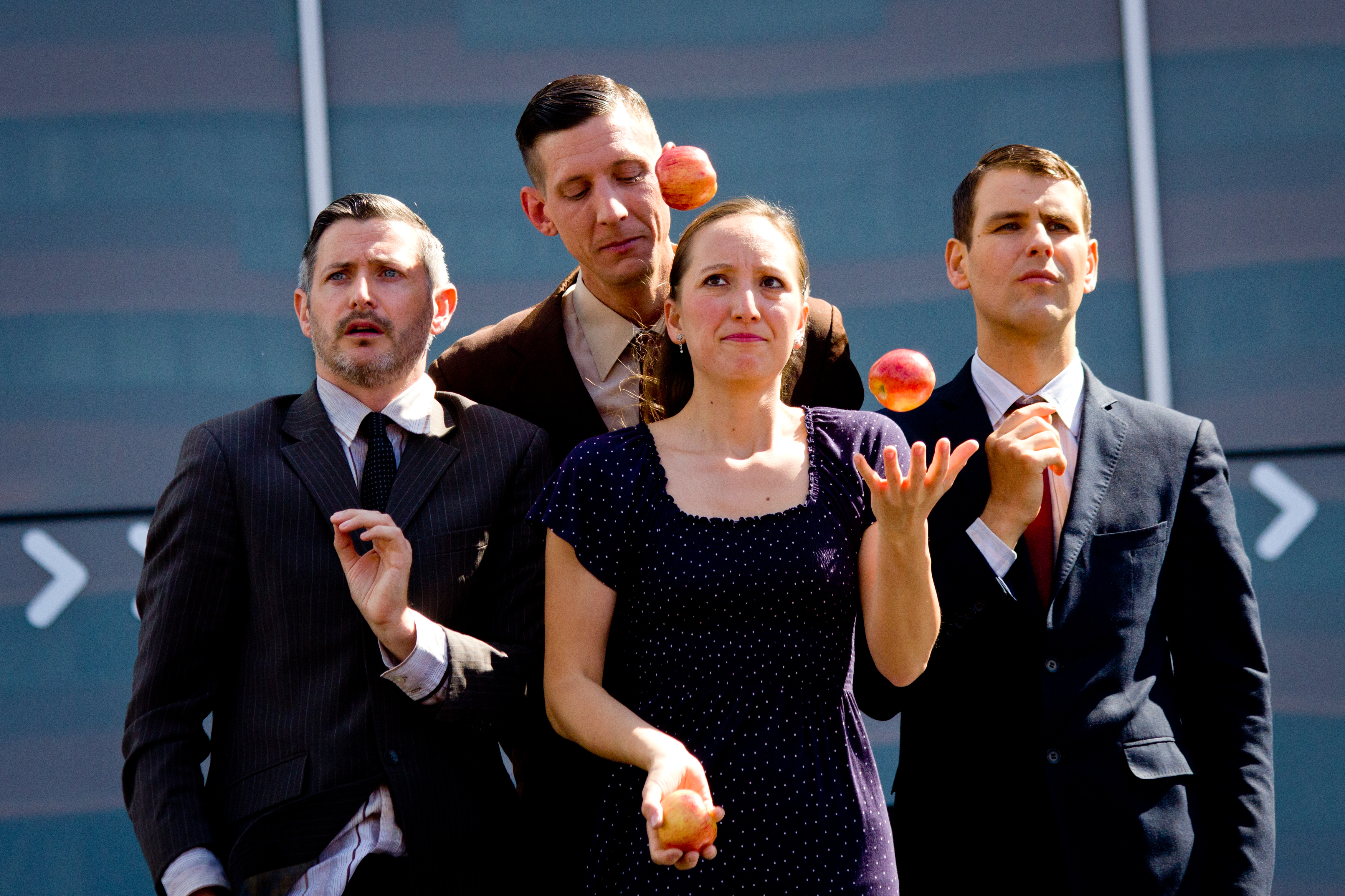 Gandini Juggling - Smashed XL: At the EJC 2016 Almere.