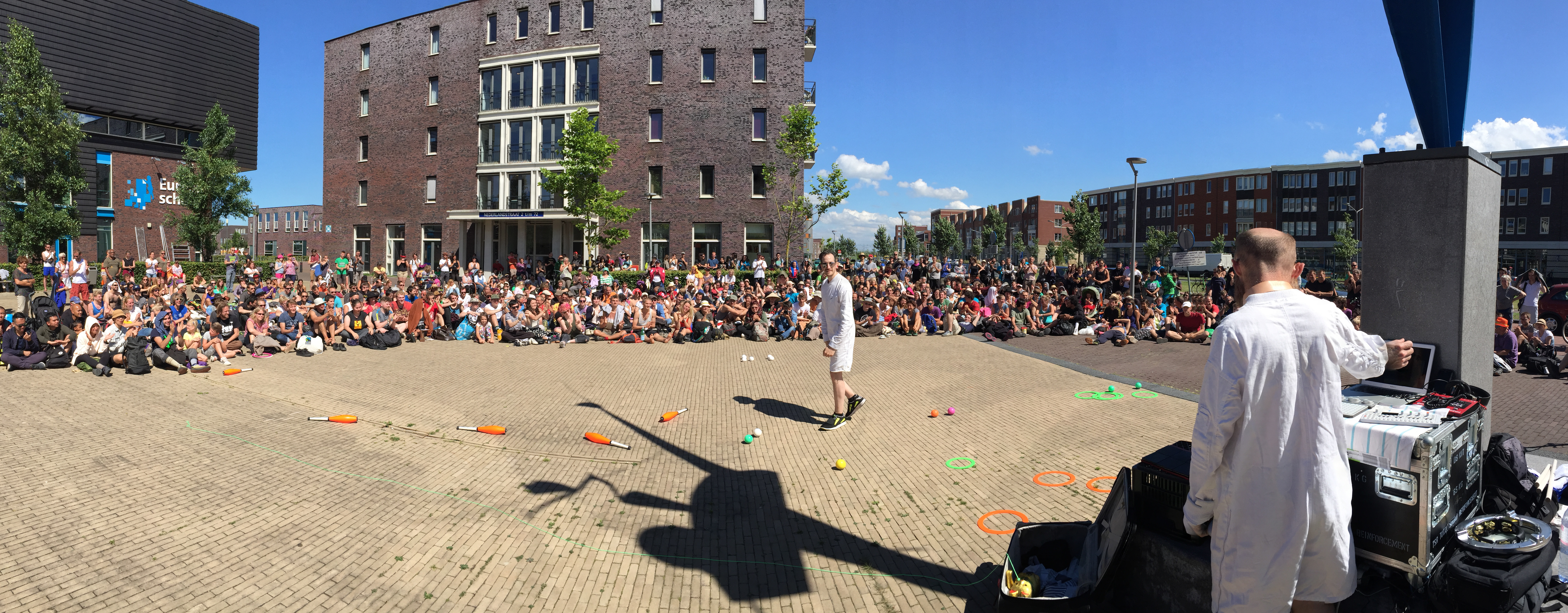 EJC 2016 Almere Day 3 - Jay Gilligan Show and Monday Open Stage: Jay Gilligan Street Show.