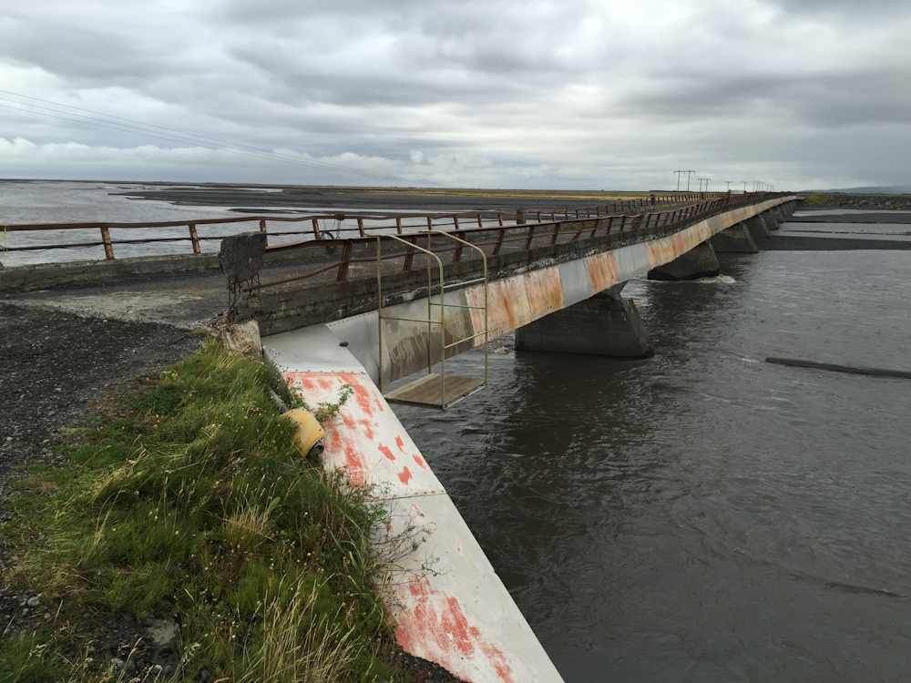 Iceland Adventure with Juliane and Luke: Closed bridge